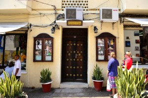 Doors of Zanzibar (9)